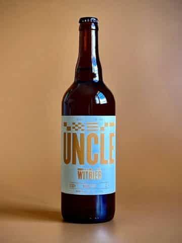 Photo d'une bouteille de bières de 75 cl teinte ambrée