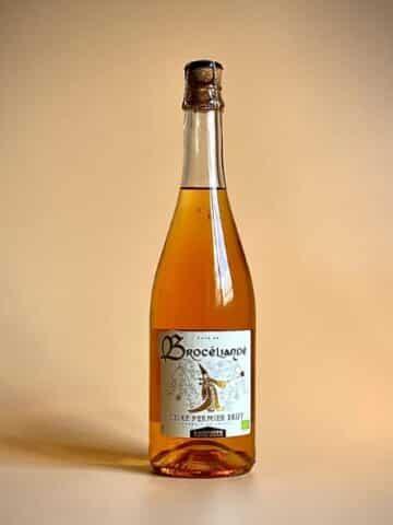 Photo d'une bouteille de cidre cuve close de 75 cl teinte blanche