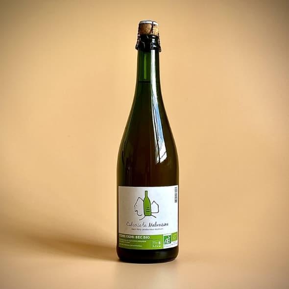 Photo d'une bouteille de cidre cuve close de 75 cl teinte verte