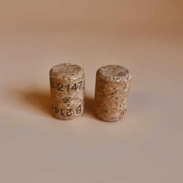Photo de deux bouchons Amorim